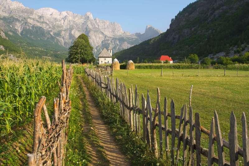 Voyage à pied : L\'Albanie du nord au sud...