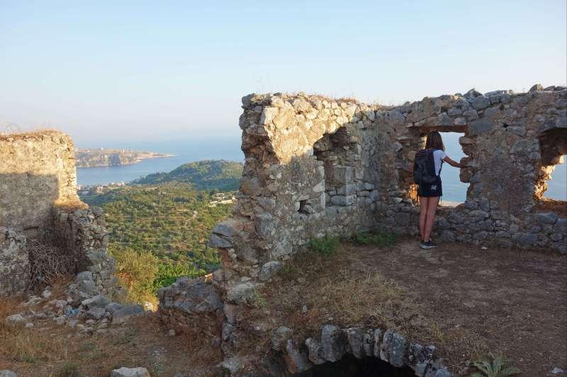 Voyage sur l'eau : Albanie : Et au milieu coule la Riviera ...