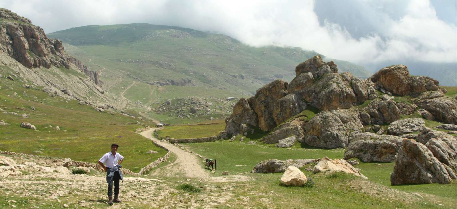 Voyage à pied : Villages et mystères d\'Azerbaidjan