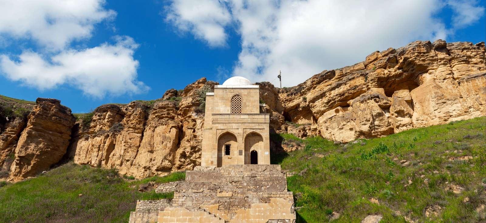 Voyage à pied : Azerbaïdjan : De la mer Noire à la mer Caspienne.