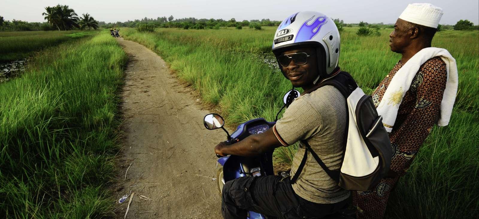Voyage à moto : Le Bénin en mobylette