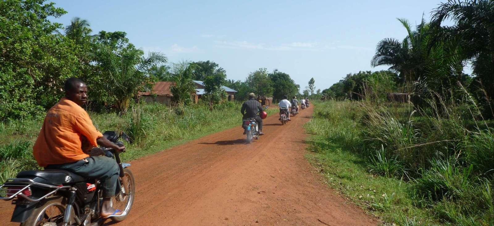 Voyage à pied Bénin : Zem, le Bénin à deux roues !