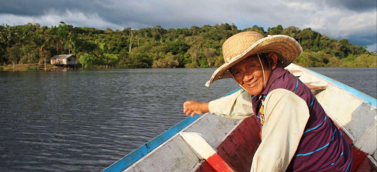 Voyage à pied :  L\'Amazone au fil de l\'eau