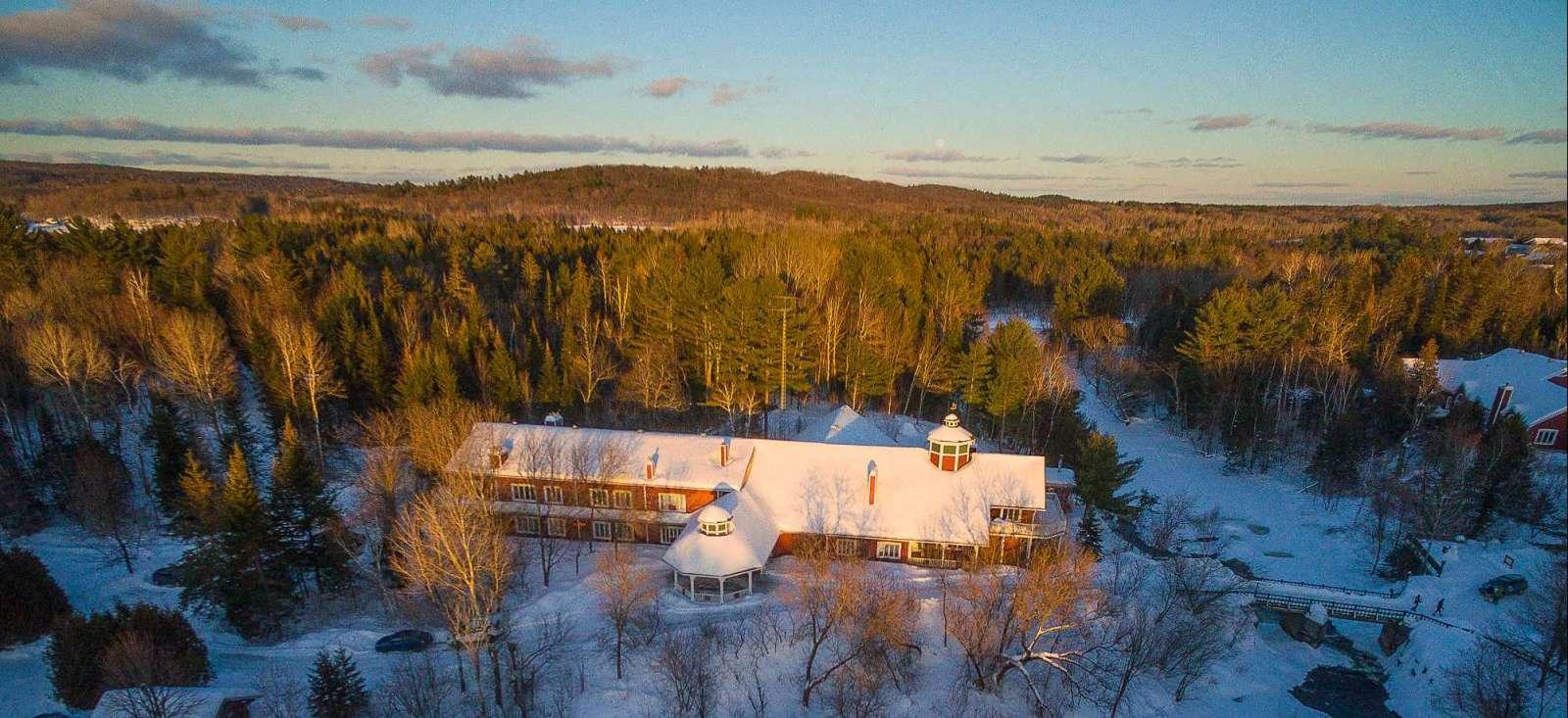 Voyage à la neige : La magie de l\'hiver à l\'Auberge Eco-Nature