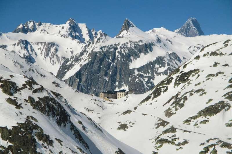Image En chemin pour le Grand Saint Bernard