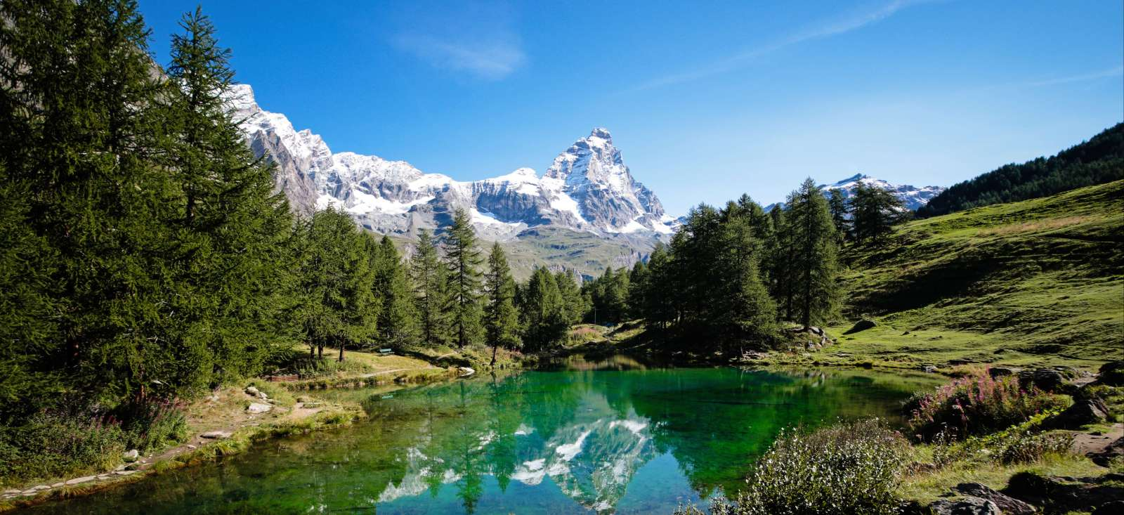 Voyage à pied : Suisse : Le Tour du Cervin, emblème des montagnes