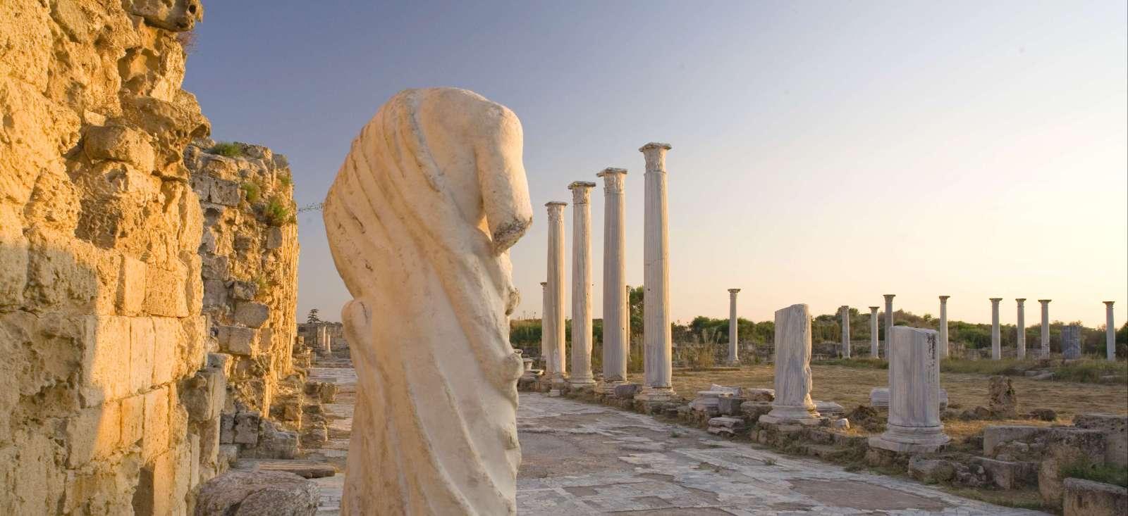 Voyage à pied : Chypre d\'Orient & d\'Occident