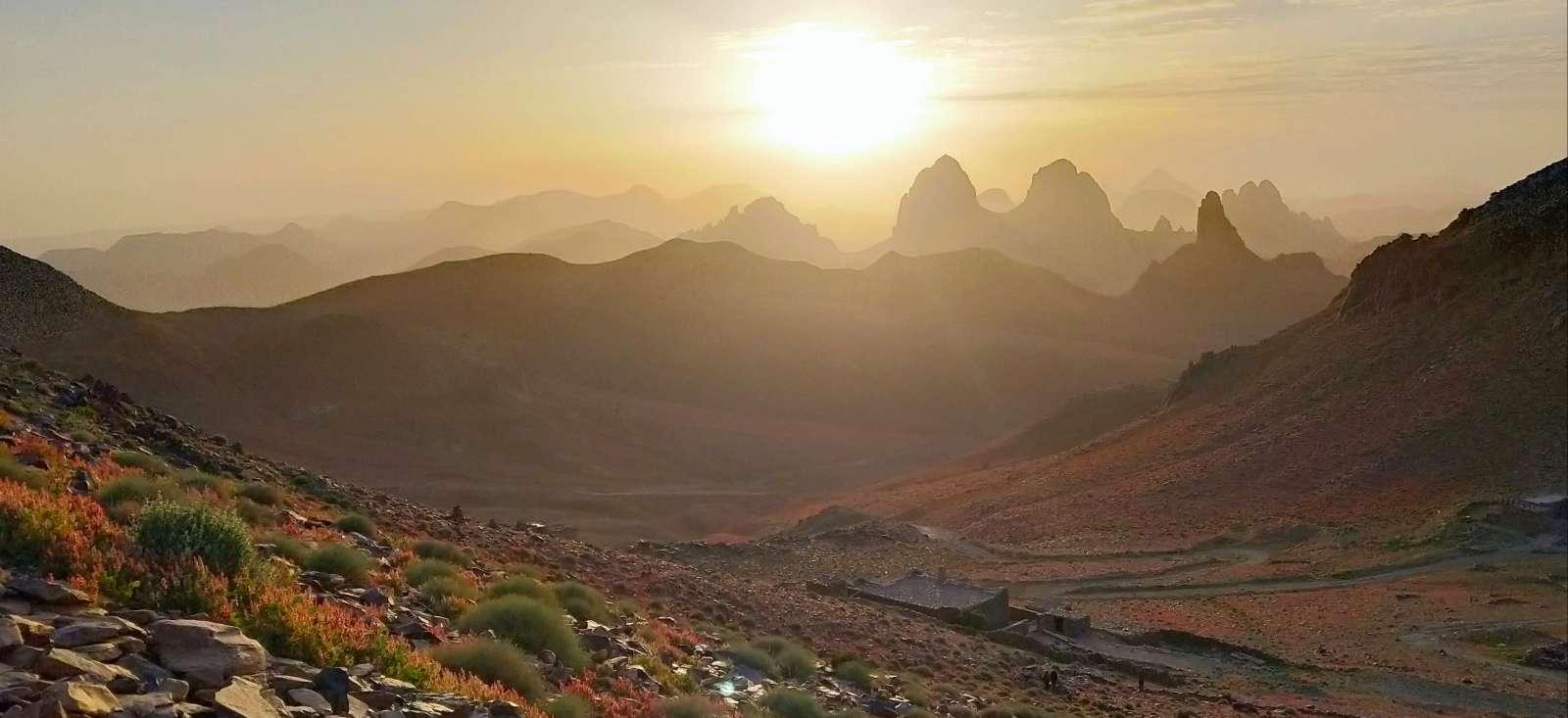 Voyage à pied : Le massif de l\'Atakor par l\'Assekrem