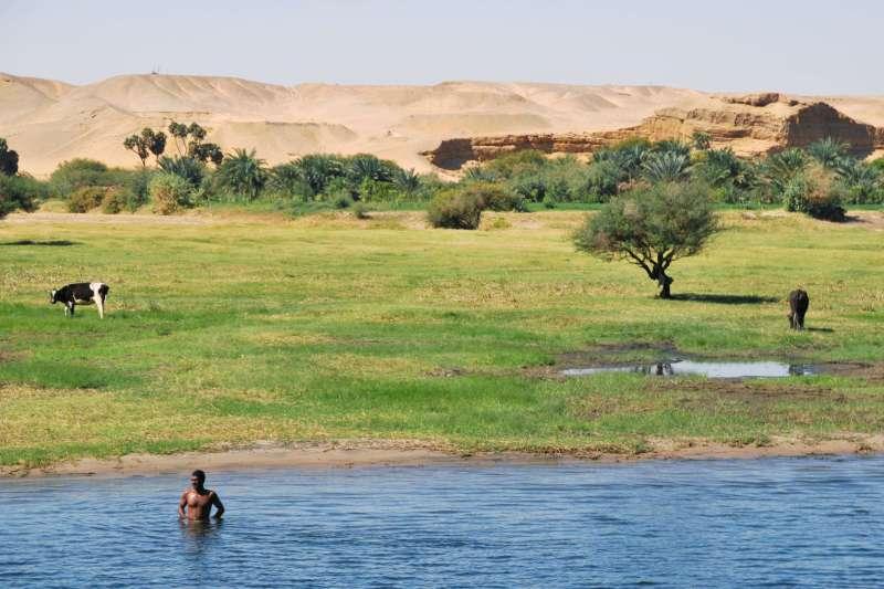 Image Le Nil en sandal et à pied