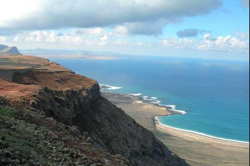 Trek canaries lanzarote volcans et sentiers de lanzarote nomade aventure - Office tourisme lanzarote ...