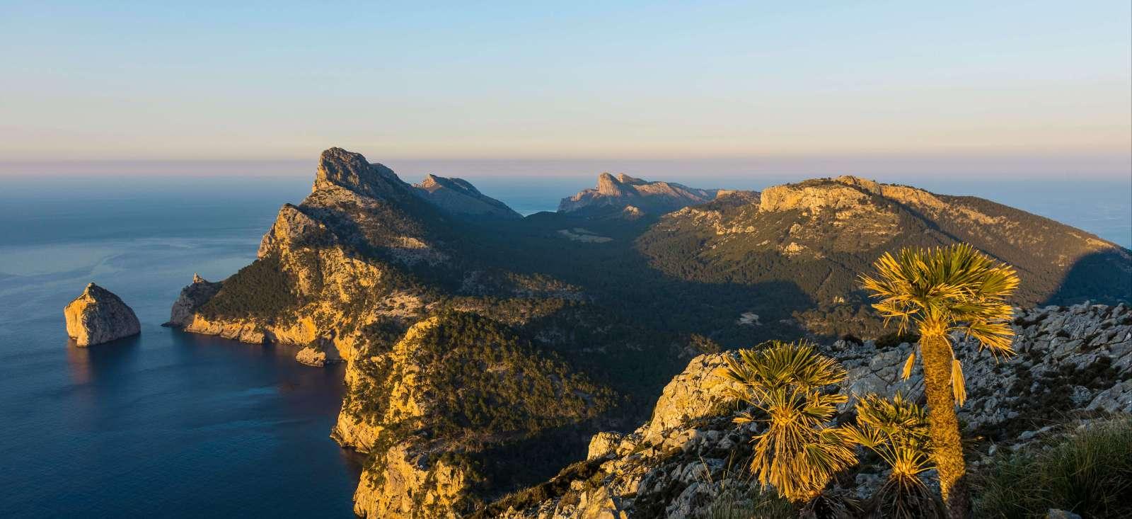 Voyage à pied : Majorque, le secret de la Méditerranée.