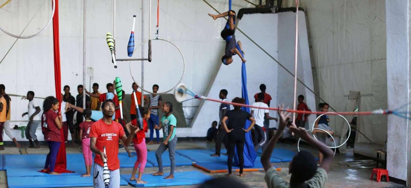 Voyage à pied :  L\'Ethiopie fait son cirque !