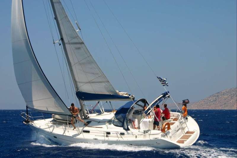 Voyage sur l'eau : A l\'assaut des Cyclades, moussaillon!