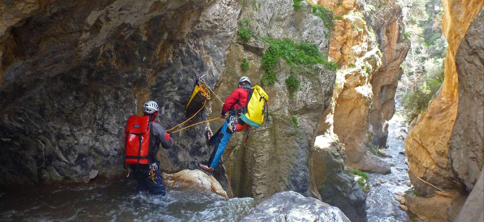 Voyage sur l'eau : Canyoning insolite en Crète