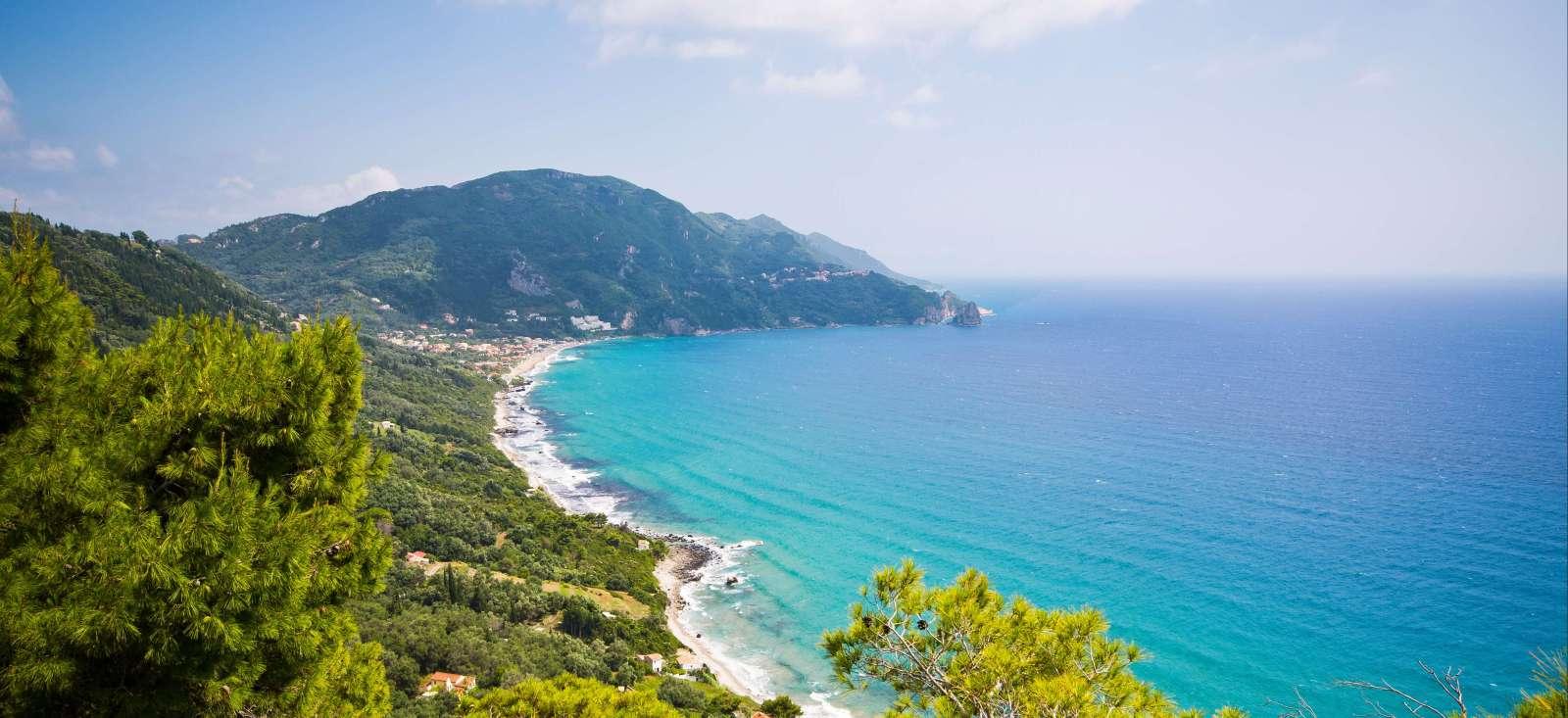 Voyage à pied : Corfou,le joyau vert des îles grecques