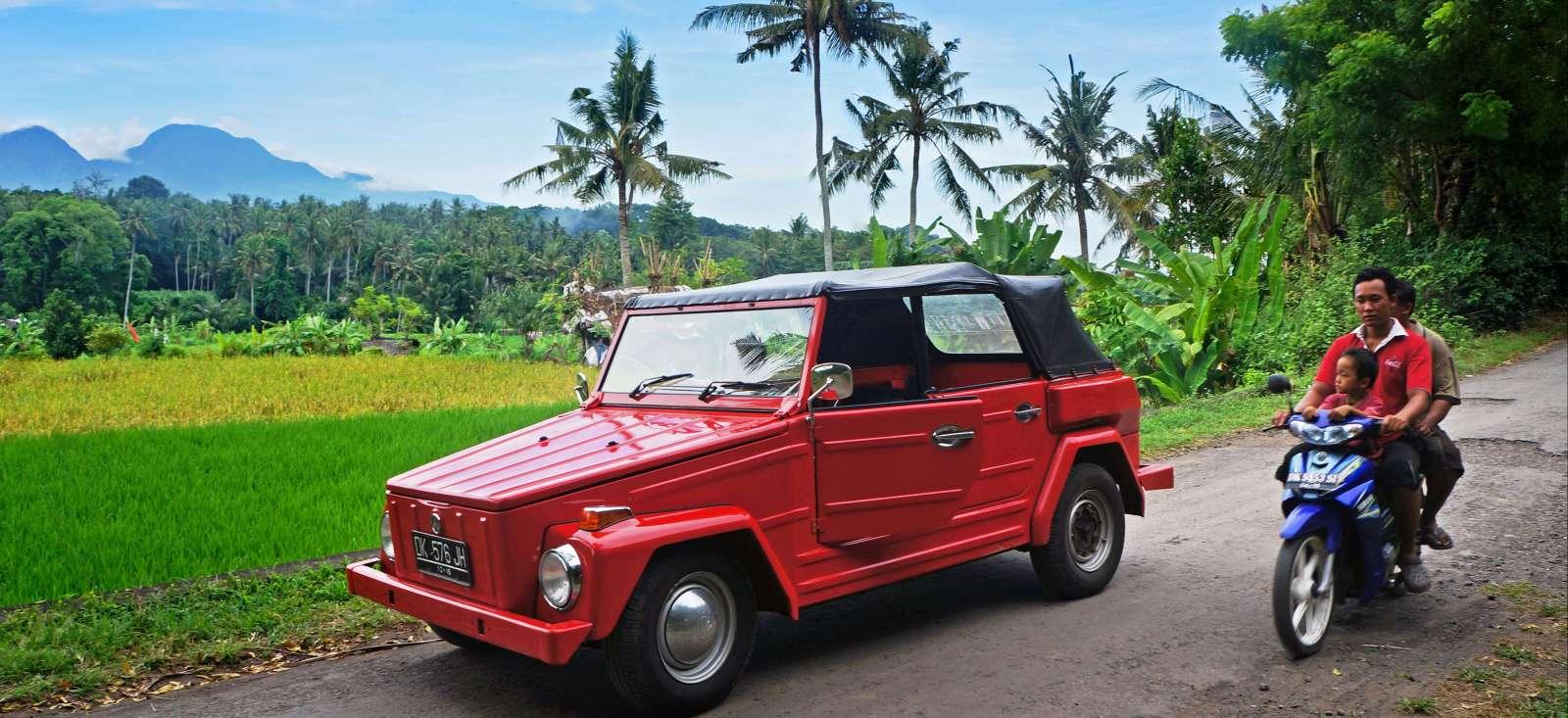 Voyage à moto : Bali, volcans et plages en scooter ou voiture