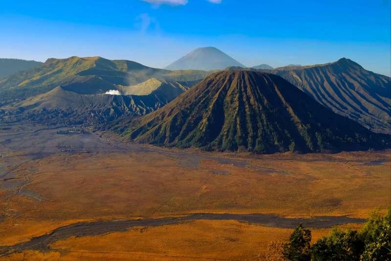Voyage à pied : Java : La ronde des volcans