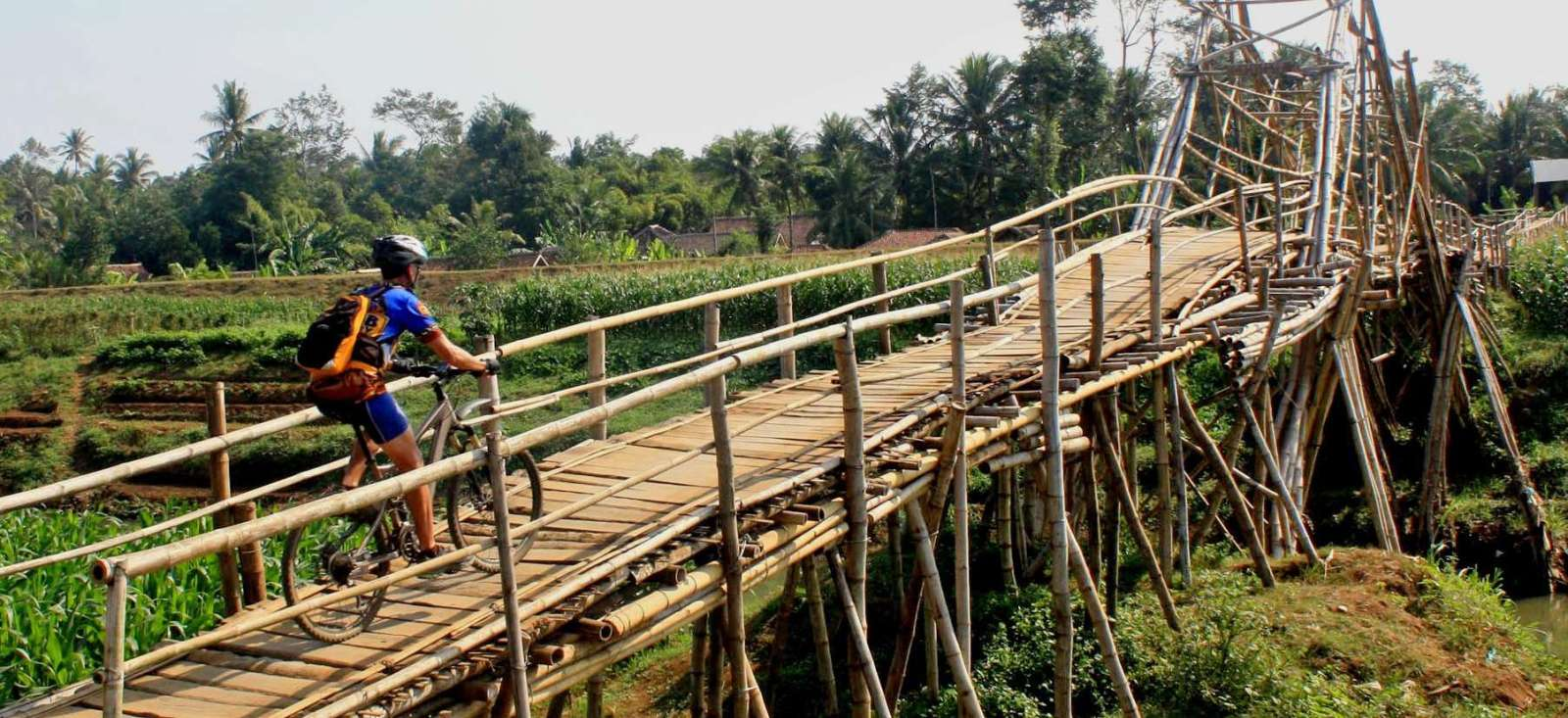 Voyage à vélo : Belle échappée de Java à Bali (VTT)