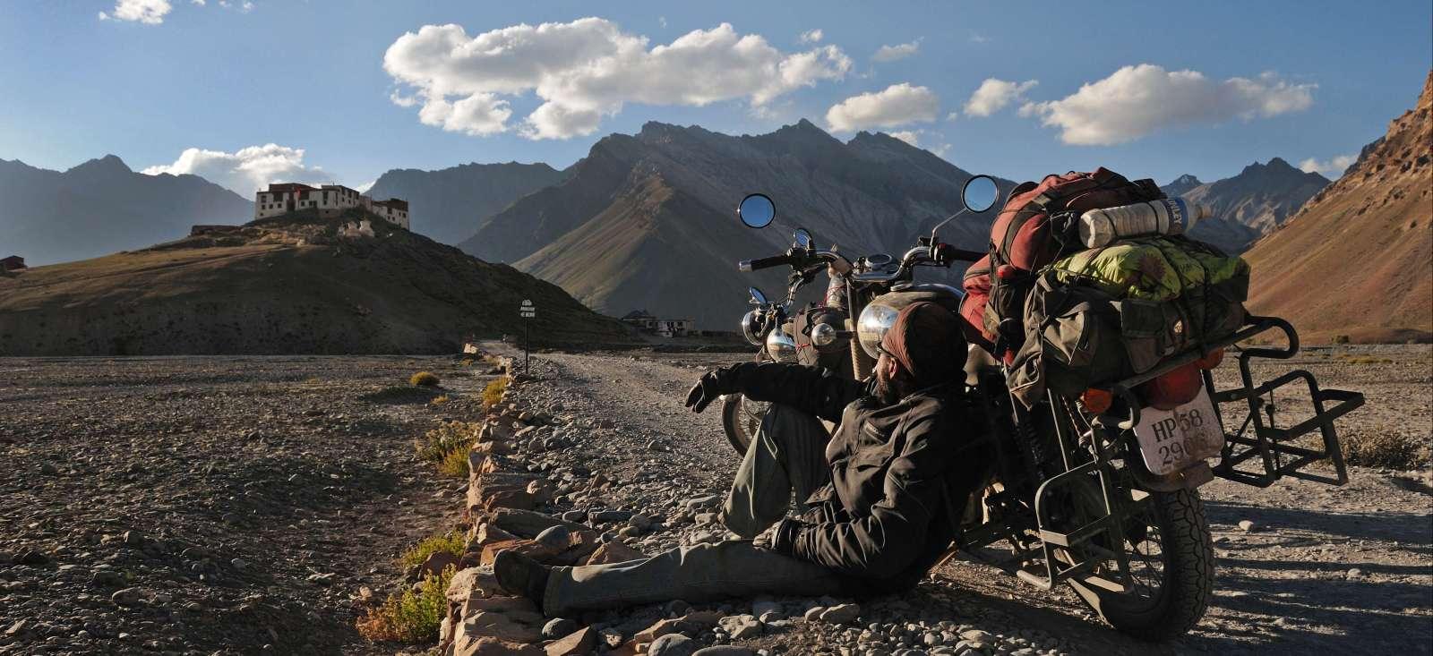 Voyage en véhicule : La Transhimalayenne en moto Enfield