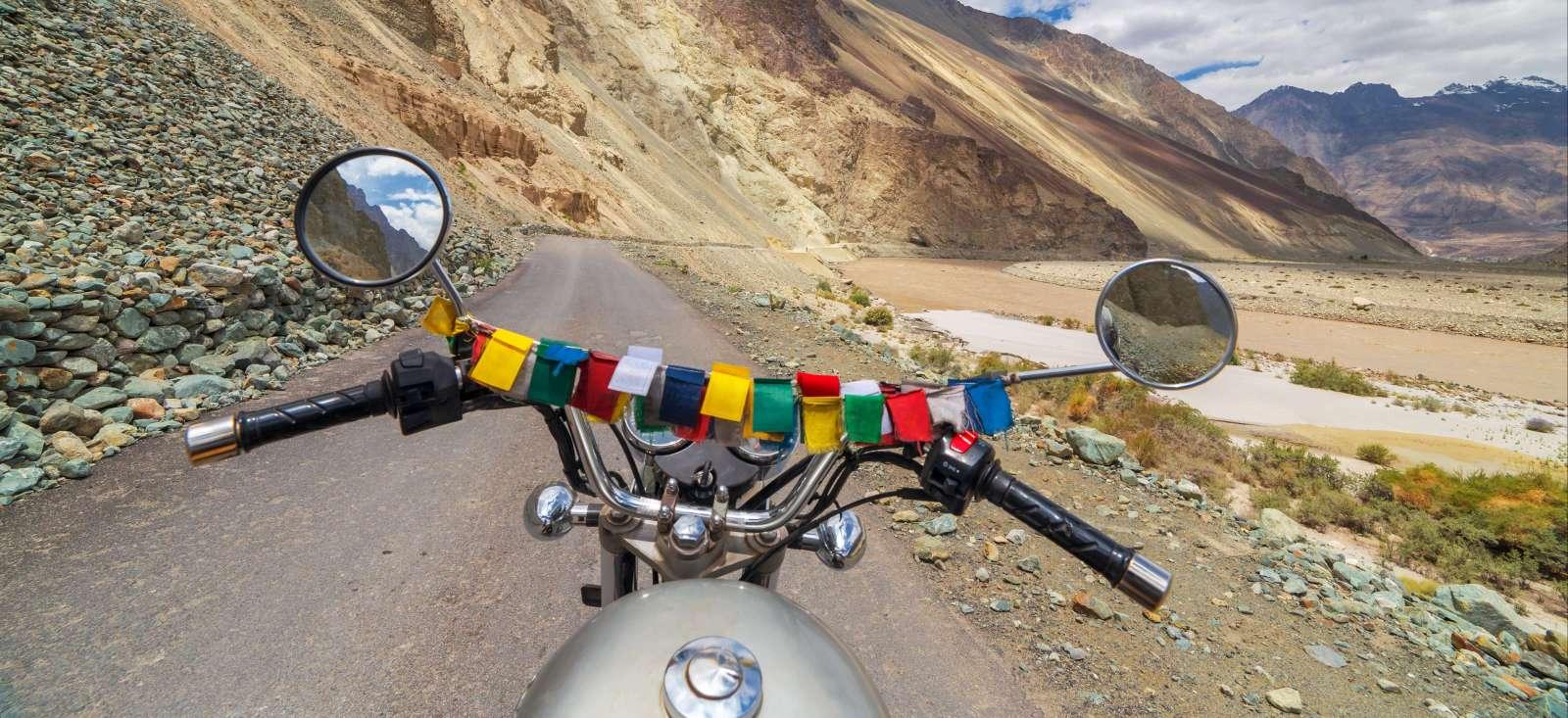 Voyage en véhicule : Traversée Himalayenne en Royal Enfield
