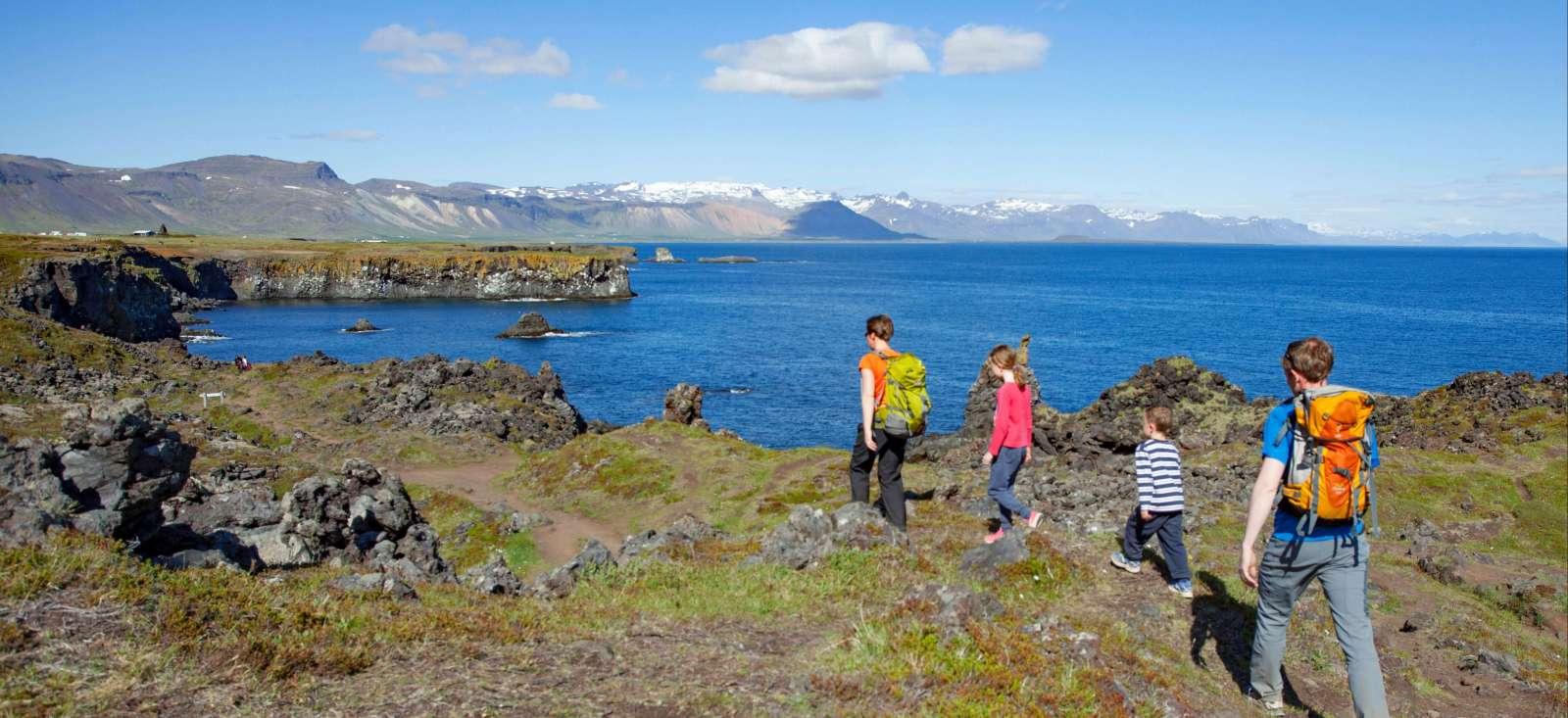 Voyage à pied : Elfes, feu et glace