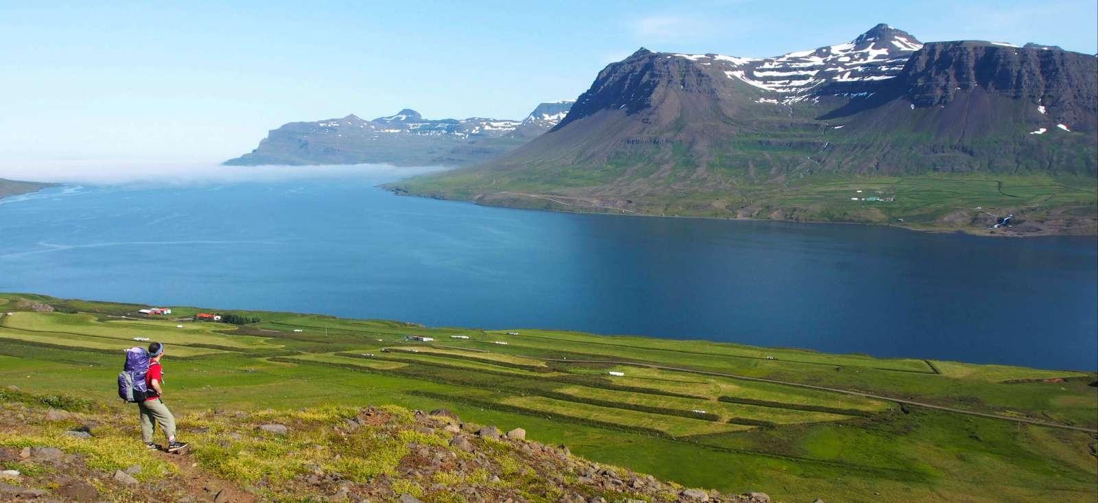 Voyage à pied : Trekking dans les fjords de l\'est