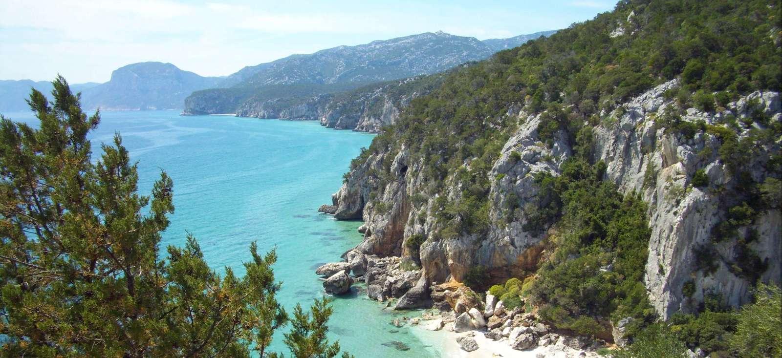 Voyage à pied : Sardaigne, perle de M\'diterranée