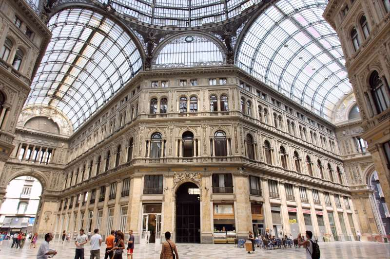 Voyage à pied : Italie : Naples, le Vésuve et Amalfi