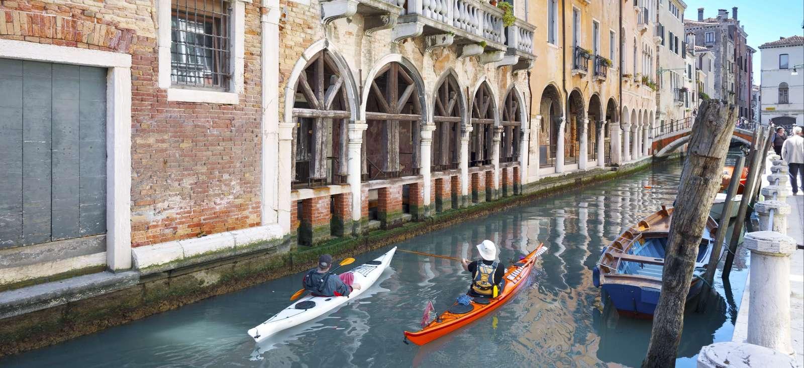 Voyage sur l'eau Italie : Laisse les gondoles à Venise ...