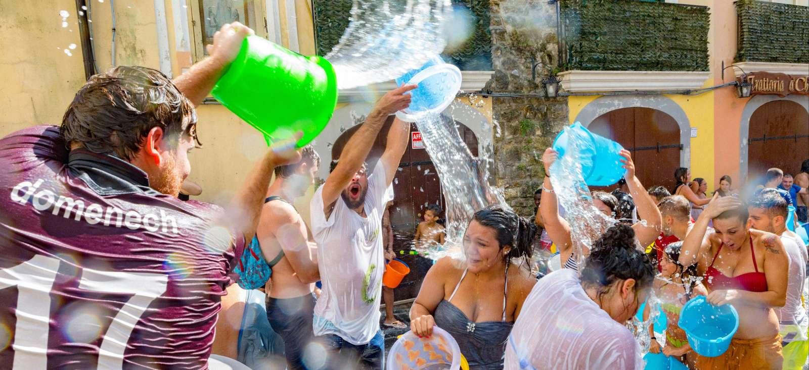 Voyage à pied : Italie : A vos seaux d\'eau...