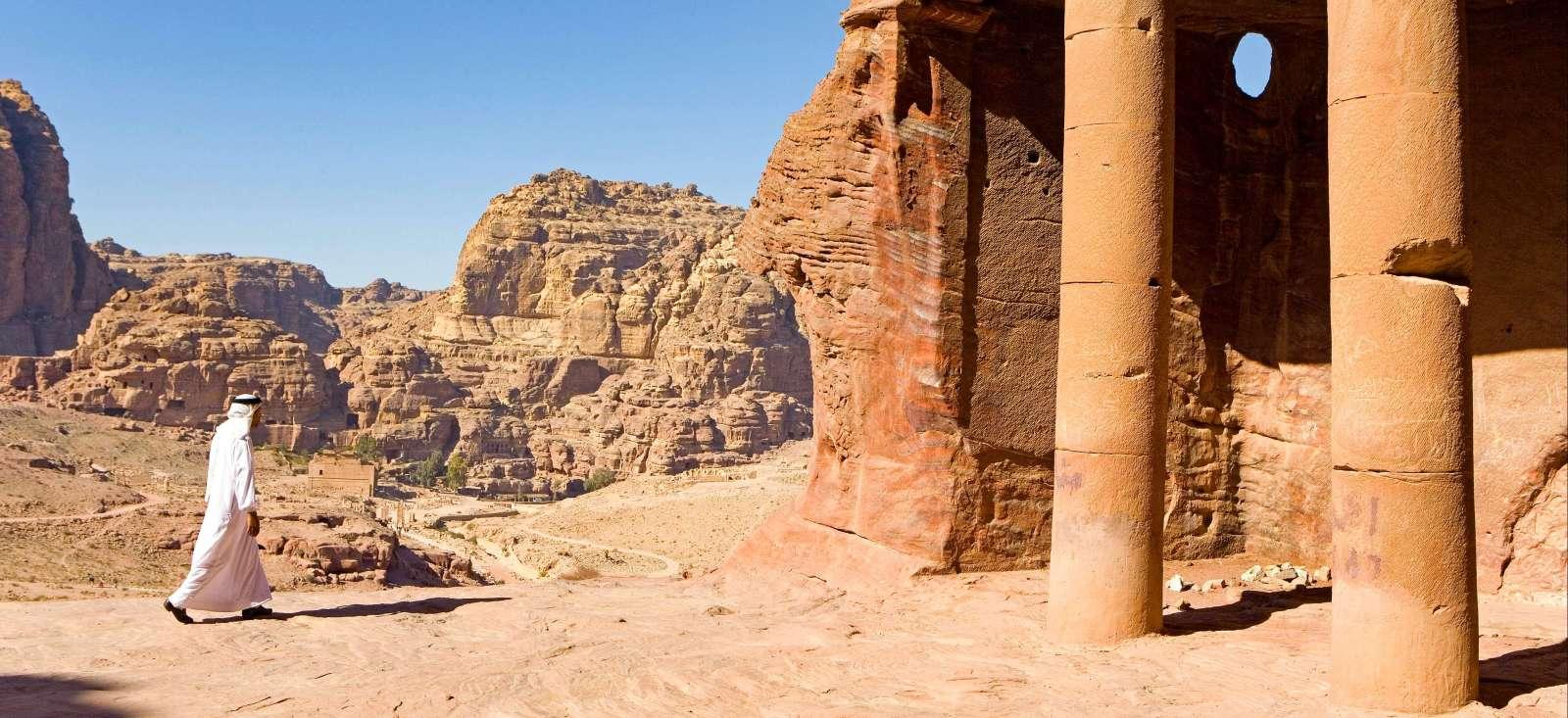 Voyage à pied : Les merveilles du monde, de Pétra au Caire