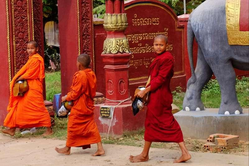 Voyage à pied : Cambodge : Du Mondolkiri aux temples d\'Angkor