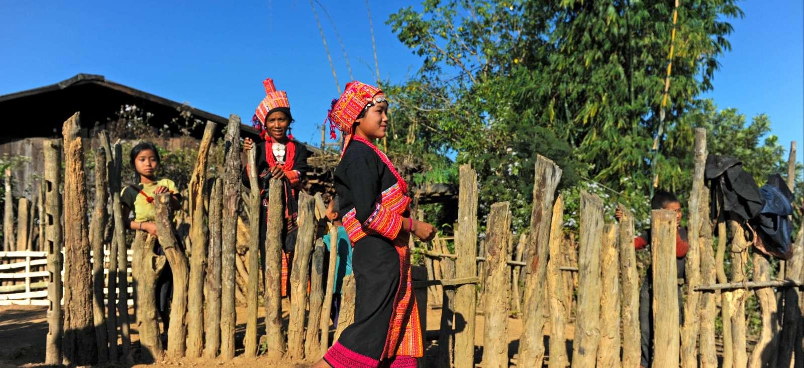 Voyage à pied : Randonnée autour de Phôngsali