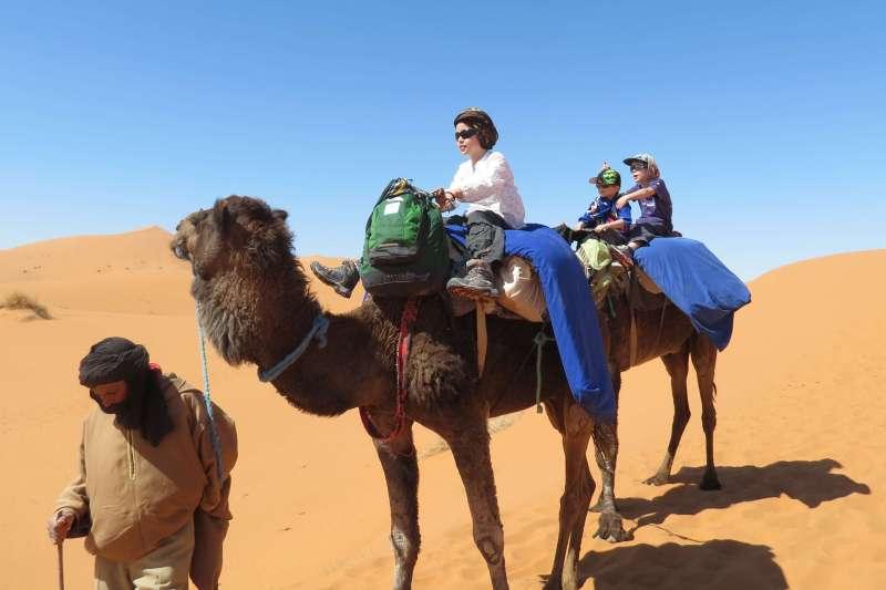 Voyage à pied : Mon petit igloo au Sahara!