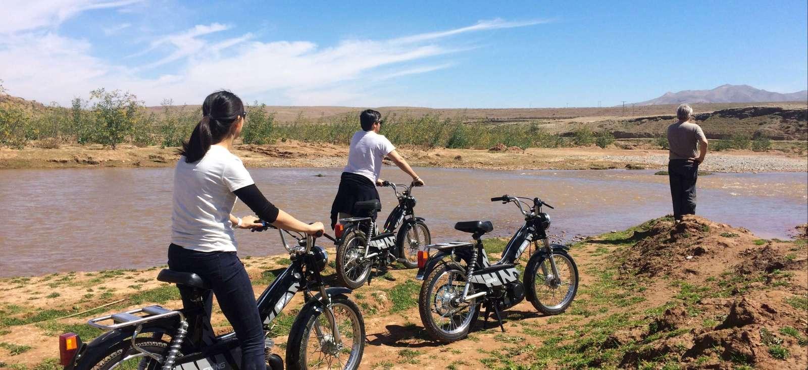 Voyage à moto : A mobylette dans l\'Atlas!