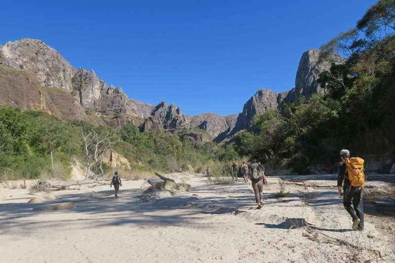 Voyage en véhicule : Trek du Makay aux grands Tsingy !