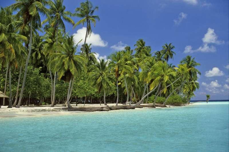 Voyage sur l'eau : Maldives : Cabotage d\'atoll en lagon !