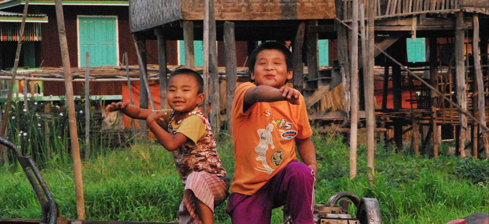 Voyage à pied : La Birmanie pour les grands et les petits!
