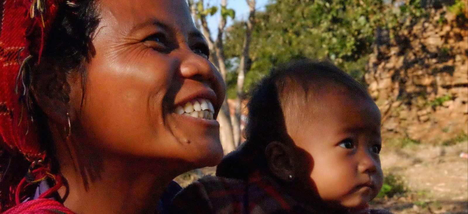 Voyage à pied : Mingalabar  Myanmar !