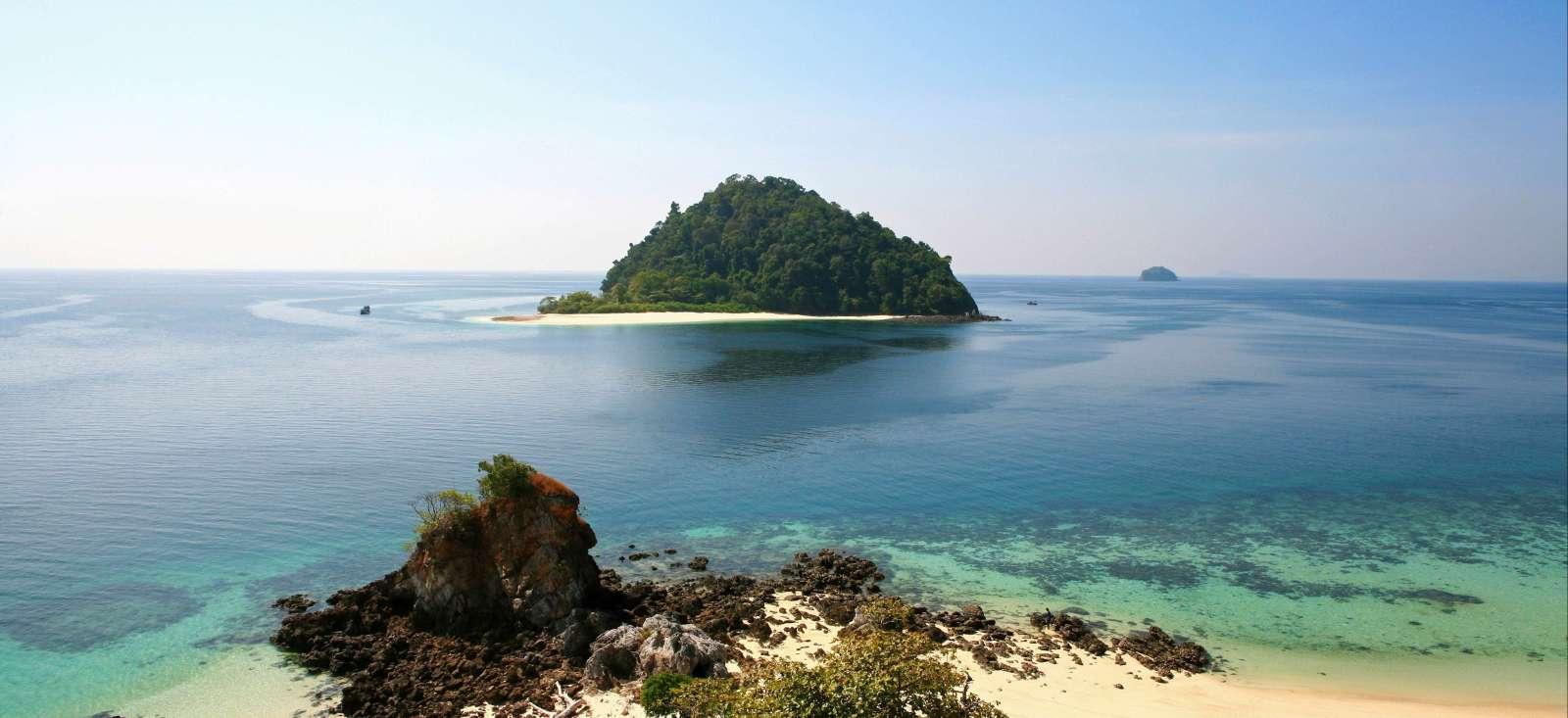 Voyage à pied : Croisière et exploration des iles Mergui