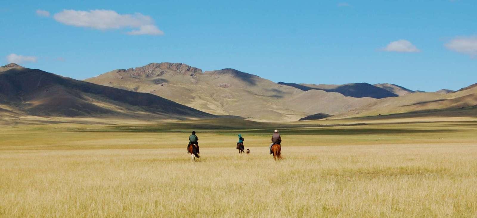 Voyage à pied : Cavaliers dans le Khenti mongol