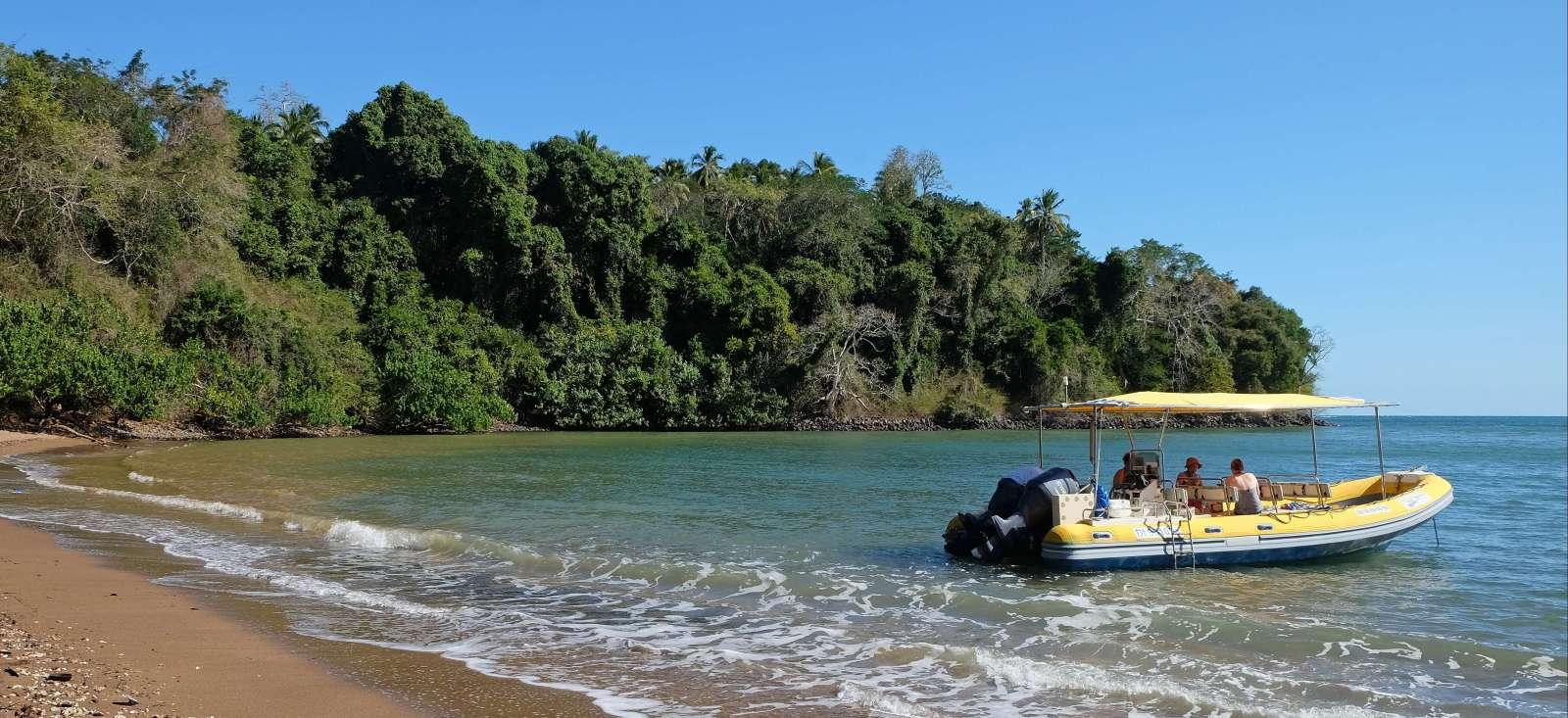 Voyage avec des animaux : Rando et Mayotte bain !