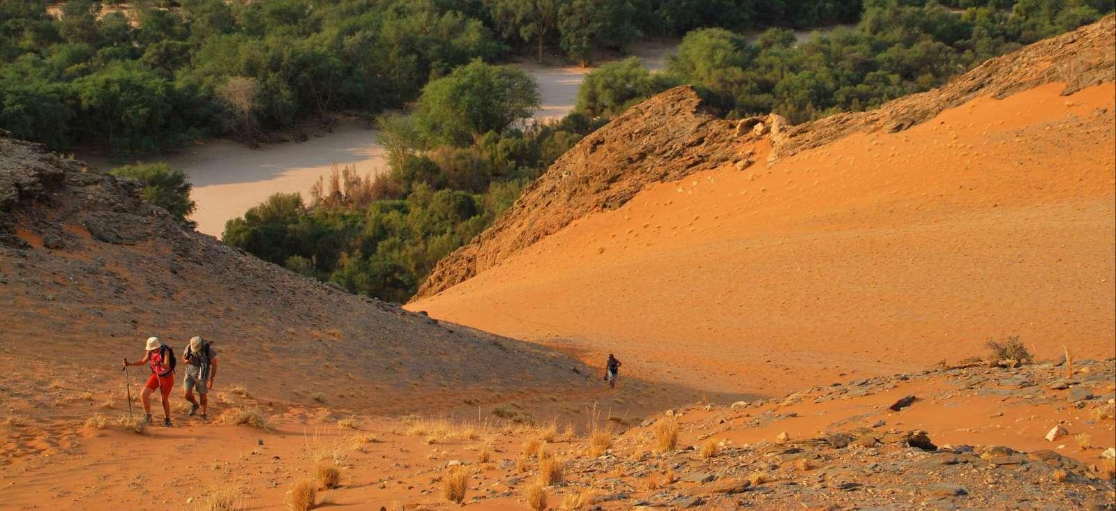 Voyage en véhicule : Peuples et d\'serts de Namibie