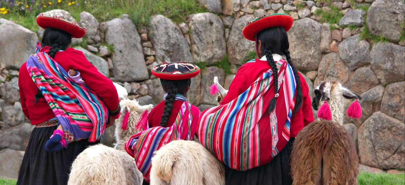Voyage à pied : Le trio incroyable du Pérou