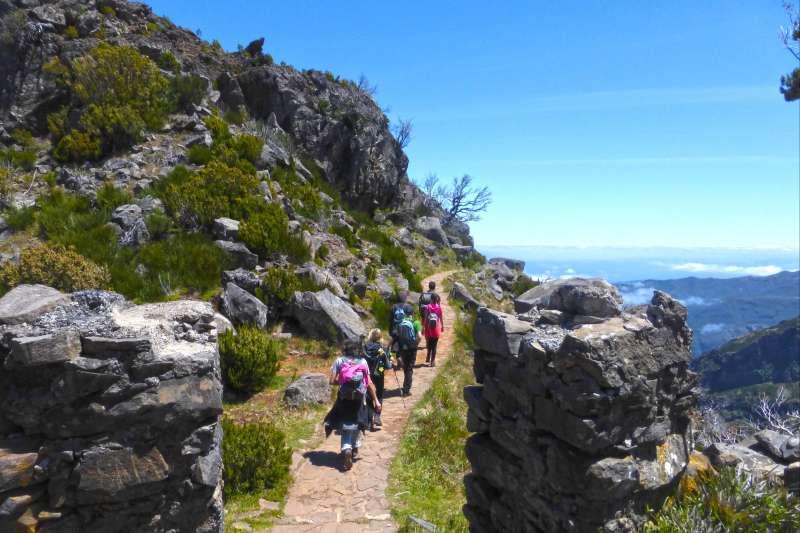 Voyage à pied : Cimes et sentiers