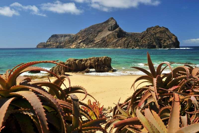 Voyage à pied : Du sud de Madère à Porto Santo, l\'île dorée