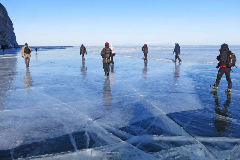 Voyage à pied : Odyssée glacée au lac Baïkal