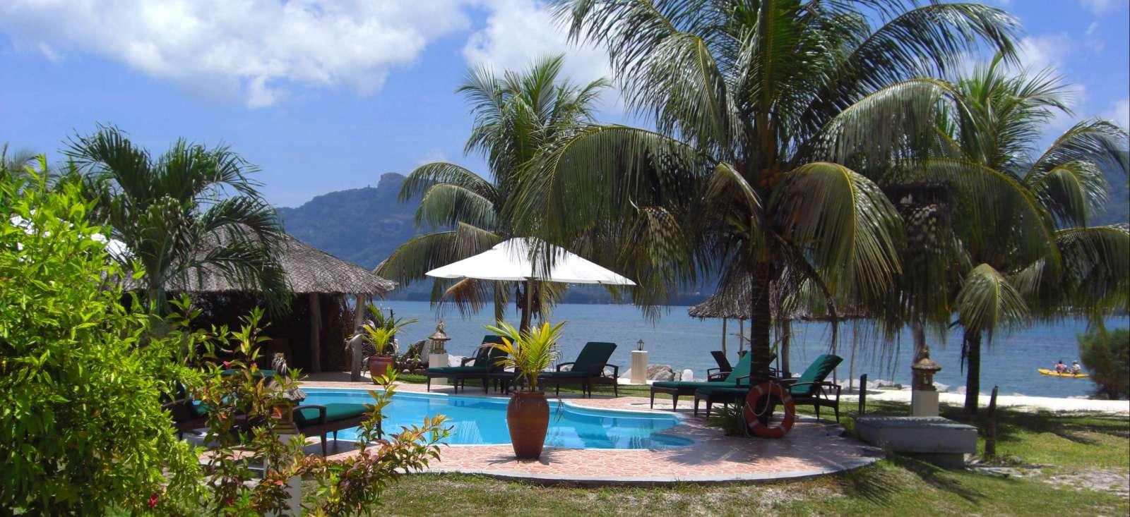 Voyage à pied : Douceur des îles en Lodge !