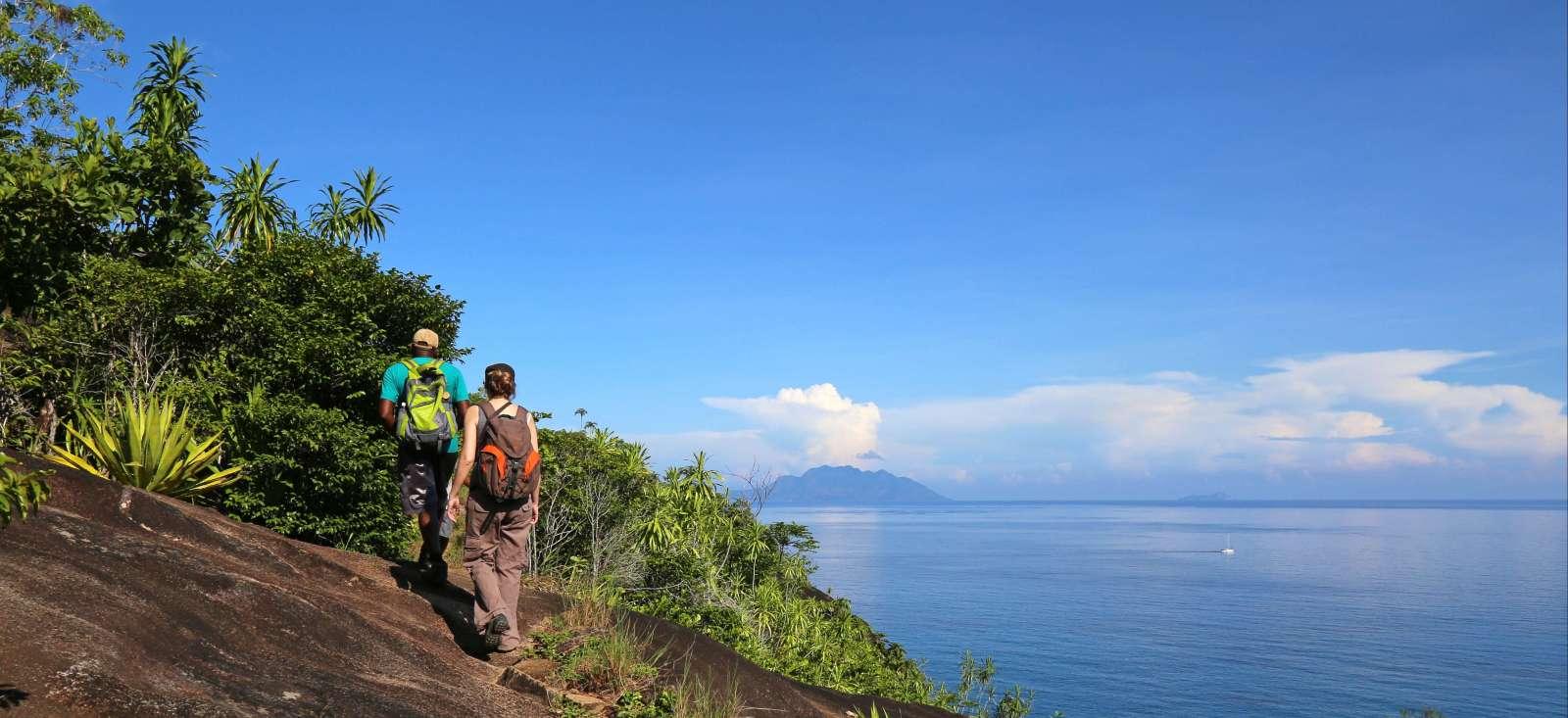 Voyage à pied : Randonnée seychelloise !