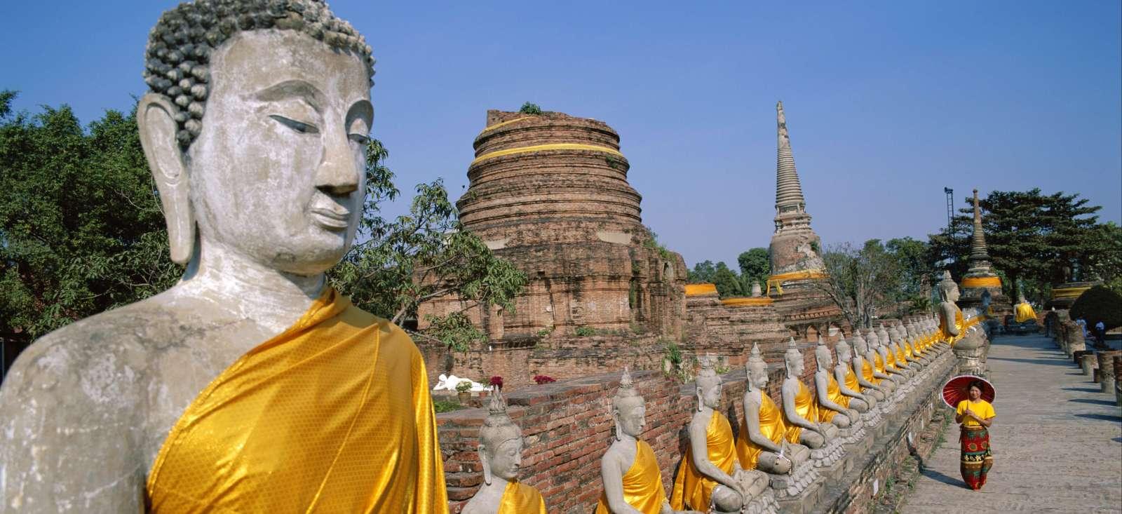 Voyage à pied : Temples et eaux turquoises